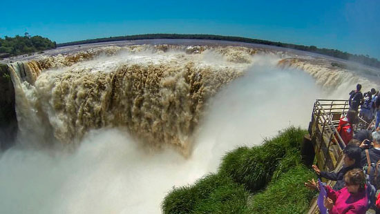 tours to iguazu falls