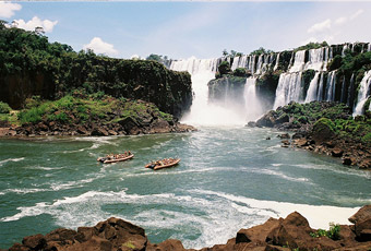 Take a tour to Iguazu Falls!