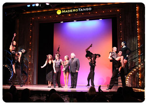 Discover the world of tango in Buenos Aires !